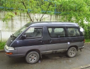 orphanage_1_minivan_1